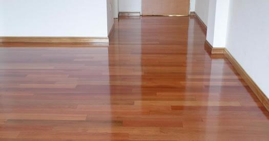 C mo limpiar piso hidrolaqueado expertos presupuesto - Como limpiar piso negro ...